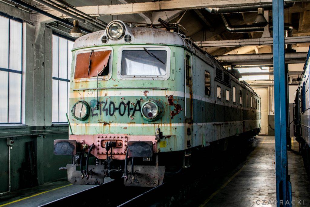 Lokomotywa ET40-01 PKP Cargo oczekująca na odrestaurowanie na terenie lokomotywowni Bydgoszcz Wschód.